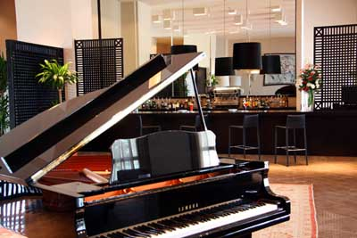 Piano Bar en el Hotel Andalucia Golf
