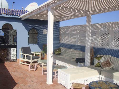 Terrasse ensoleillée au Riad Al Zahia